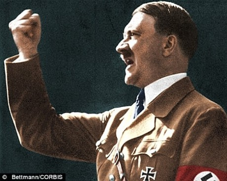 Hitler discursando em Berlim